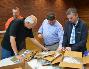 rotarians-helping-with-childrens-gift-bags-111616