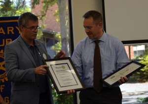 Pres Jim present plaques to Mike 092315 (1)